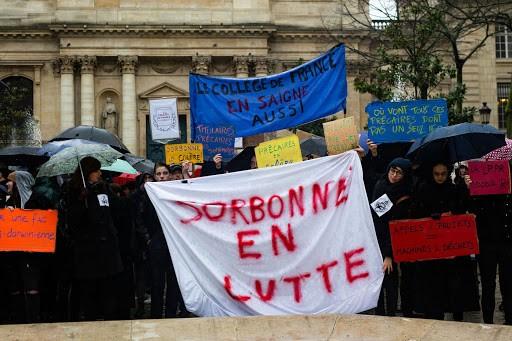 France - Manifestation contre la LPPR a Paris. (Raphael Kessler) |  hanslucas.com